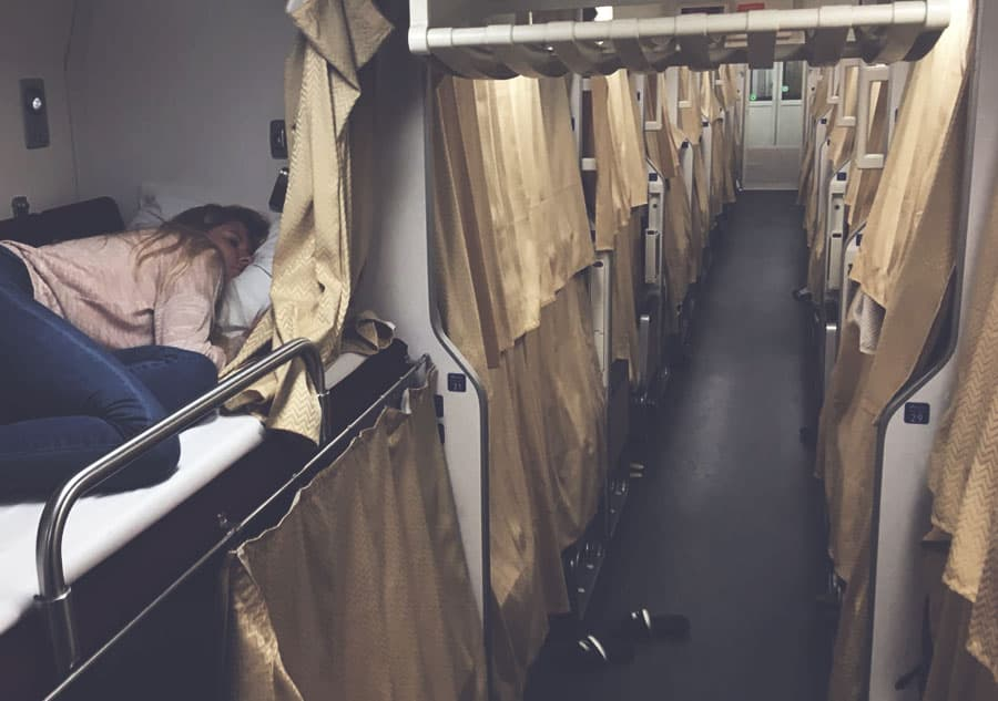 2nd class sleeper train from bangkok to chiang mai